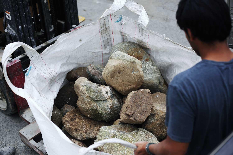 american-stonecraft-fieldstone-products-bag-of-rocks-local-stone-new-england-handmade-massachusetts-lowell-ma